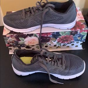 Saucony Sneakers size 7.5
